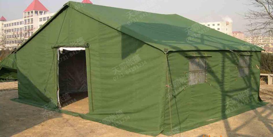 军绿色帆布帐篷